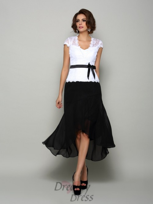 A-Line/Princess Chiffon V-neck Asymmetrical Mother of the Bride Dress