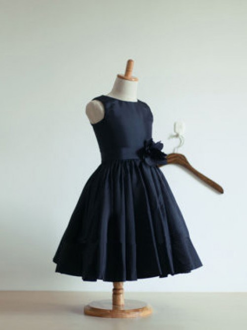 A-line/Princess Jewel Knee-Length Taffeta Flower Girl Dresses with Hand-made Flower