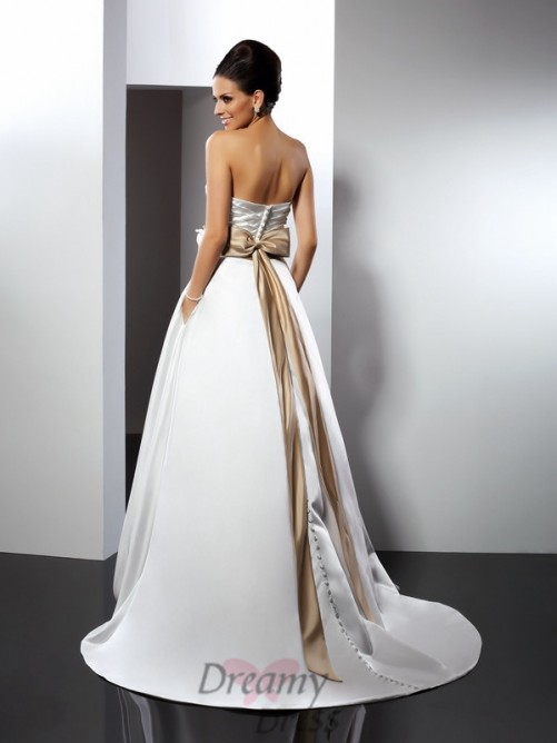 A-Line/Princess Sweetheart Court Train Satin Wedding Dress