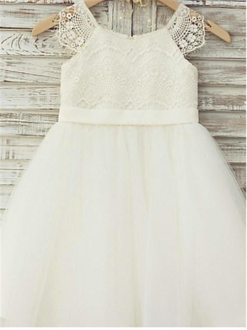 A-line Scoop Lace Knee-Length Tulle Flower Girl Dress