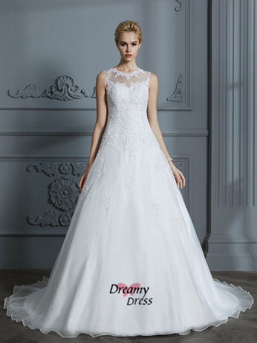 Ball Gown Scoop Tulle Court Train Wedding Dress