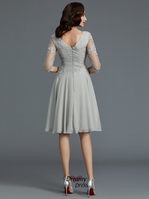 A-Line/Princess Scoop Knee-Length Applique Chiffon Mother of the Bride Dress