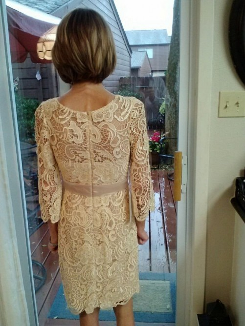 Sheath/Column Sheer Neck Knee-Length Mother Of The Bride Dress