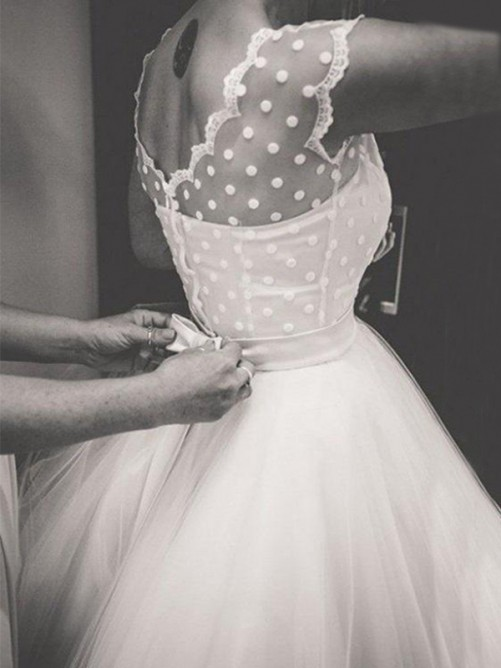 Ball Gown Jewel Knee-Length Tulle Wedding Dress