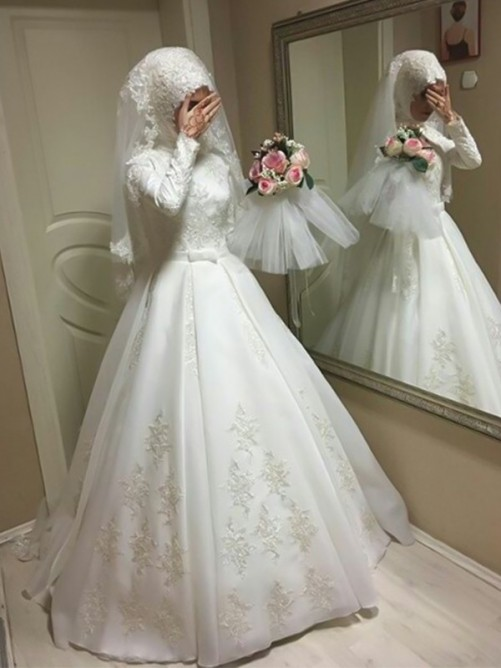 Ball Gown Jewel Long Sleeves Floor-Length Tulle Wedding Dress