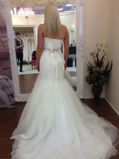 Trumpet/Mermaid Sleeveless Sweetheart Court Train Tulle Wedding Dress