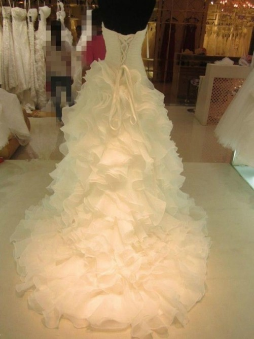 Ball Gown Sweetheart Organza Sleeveless Court Train Wedding Dress