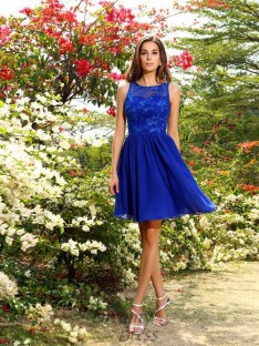 A-Line/Princess Bateau Knee-Length Chiffon Bridesmaid Dress