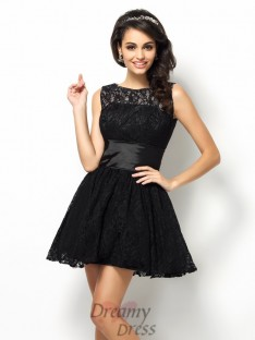 A-Line/Princess Bateau Lace Short/Mini Lace Bridesmaid Dress