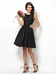 A-Line/Princess Bateau Short/Mini Taffeta Bridesmaid Dress
