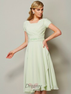 A-Line/Princess Bateau Short Sleeves Chiffon Knee-Length Bridesmaid Dress