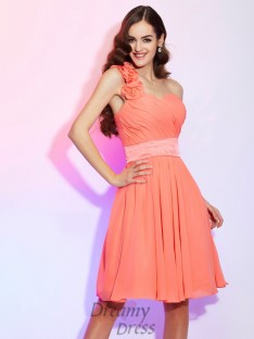 A-Line/Princess Knee-Length One-Shoulder Chiffon Bridesmaid Dress