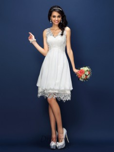 A-Line/Princess Lace Short/Mini Satin Bridesmaid Dress