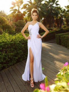 A-Line/Princess One-Shoulder Court Train Chiffon Wedding Dress