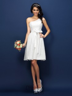 A-Line/Princess One-Shoulder Lace Short/Mini Lace Bridesmaid Dress