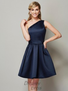 A-Line/Princess One-Shoulder Satin Short/Mini Bridesmaid Dress