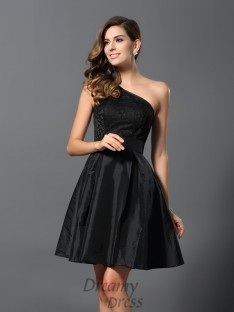 A-Line/Princess One-Shoulder Taffeta Short/Mini Bridesmaid Dress
