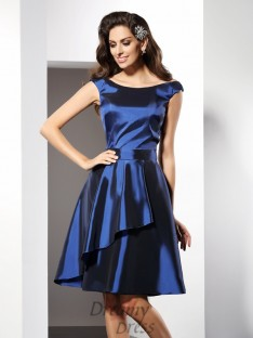 A-Line/Princess Scoop Knee-Length Taffeta Bridesmaid Dress