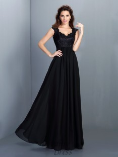 A-Line/Princess Scoop Lace Chiffon Long Dress