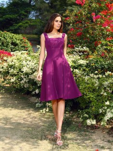A-Line/Princess Square Chiffon Knee-Length Bridesmaid Dress