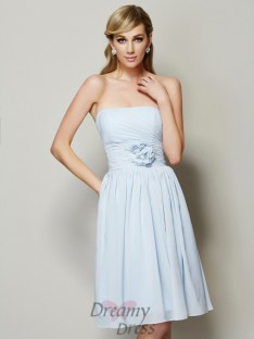 A-Line/Princess Strapless Hand-Made Flower Knee-Length Chiffon Bridesmaid Dress