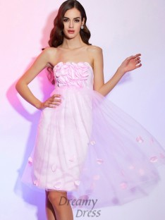 A-Line/Princess Strapless Hand-Made Flower Satin Knee-Length Dress