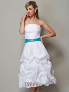 A-Line/Princess Strapless Tea-Length Taffeta Dress
