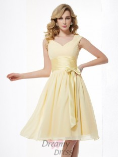 A-Line/Princess Straps Pleats Chiffon Knee-Length Dress