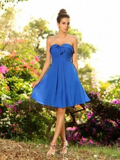 A-Line/Princess Sweetheart Chiffon Knee-Length Bridesmaid Dress