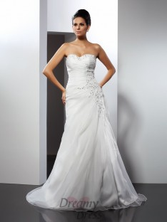 A-Line/Princess Sweetheart Court Train Organza Wedding Dress