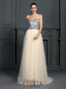 A-Line/Princess Sweetheart Floor-Length Lace Dress