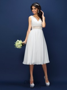A-Line/Princess V-neck Knee-Length Chiffon Bridesmaid Dress