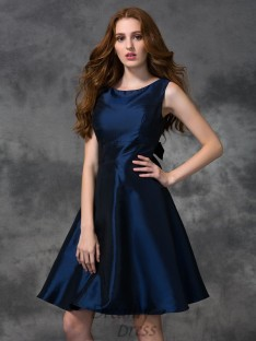 A-line Scoop Knee-length Taffeta Bridesmaid Dress