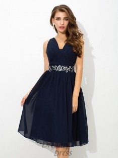 A-line Straps Knee-Length Chiffon Cocktail Dress