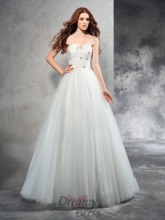 A-line Sweetheart Floor-Length Net Wedding Dress