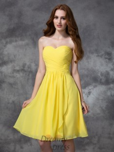 A-line Sweetheart Knee-length Ruched Chiffon Bridesmaid Dress