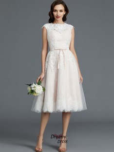 A-Line/Princess Bateau Knee-Length Tulle Wedding Dress