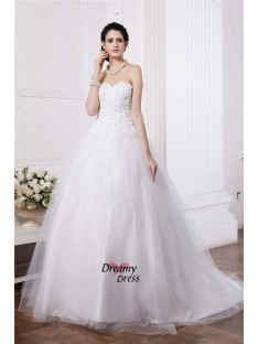 Ball Gown Sweetheart Chapel Train Net Wedding Dress