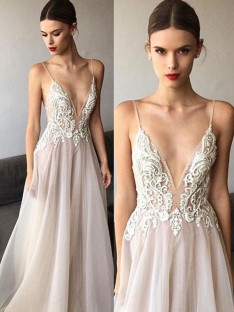 A-Line V-neck Sweep/Brush Train Spaghetti Straps Lace Tulle Wedding Dress