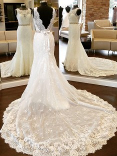 Sheath Lace Scoop Chapel Train Wedding Dress