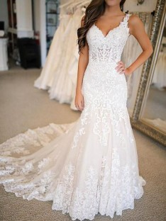 Mermaid Tulle V-neck Long Wedding Dress