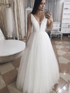 A-Line Tulle V-neck Long Wedding Dress