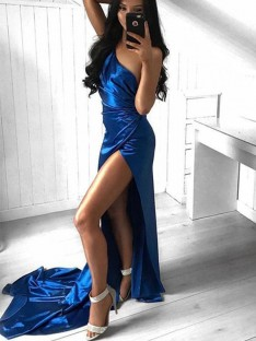 Sheath/Column One-Shoulder Court Train Satin Dress