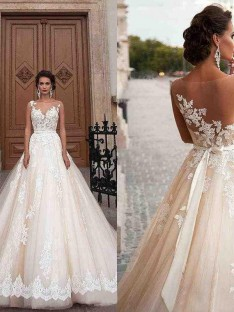 A-Line/Princess Scoop Court Train Tulle Wedding Dress