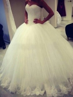 Ball Gown Sweetheart Sweep/Brush Train Organza Wedding Dress