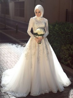 Ball Gown Jewel Long Sleeves Sweep/Brush Train Tulle Wedding Dress