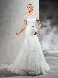 Off-the-Shoulder Short Sleeves Court Train Net Wedding Dress