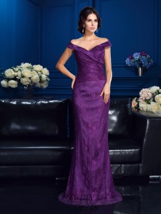 Off-the-Shoulder Sweep/Brush Train Lace Mother Of The Bride Dress