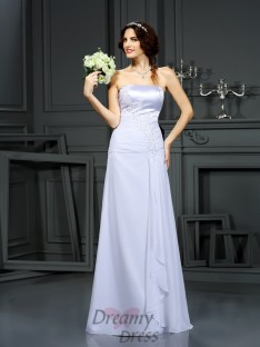 Sheath/Column Strapless Chiffon Sweep/Brush Train Wedding Dress