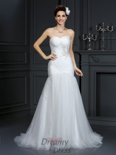 Sheath/Column Sweetheart Court Train Net Wedding Dress